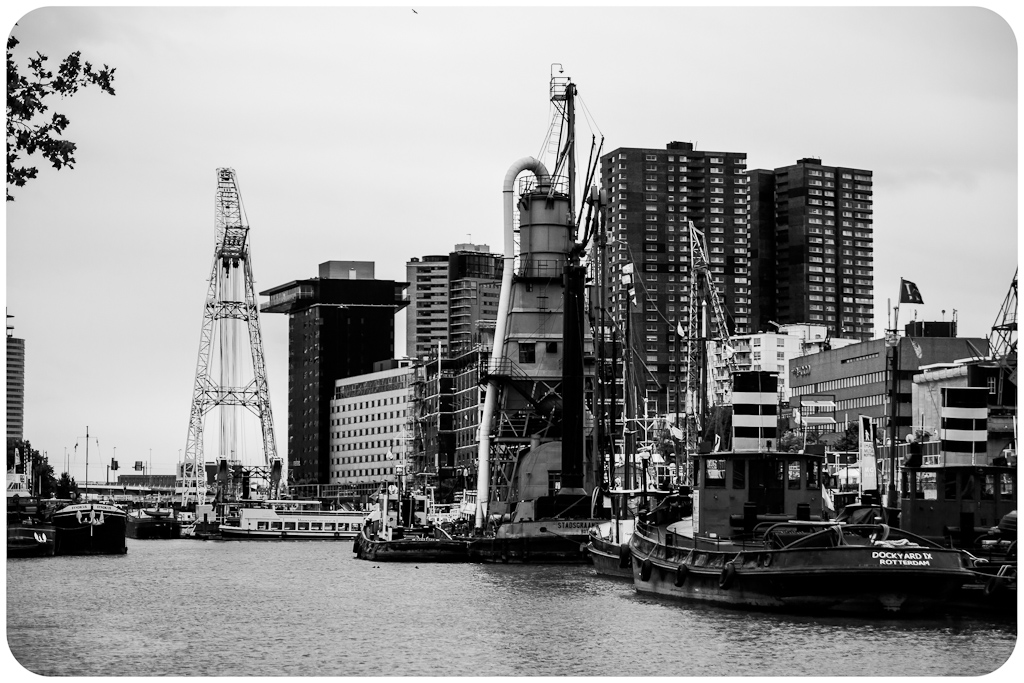 http://fredetsev.eu/galeriesLR/Paysbas_vac2012_rotterdam_01/content/images/large/IMG_5443.jpg