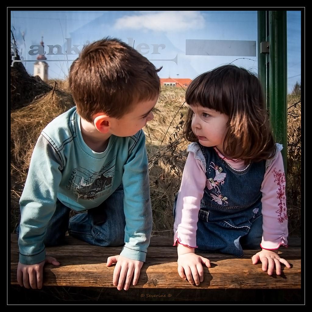 http://fredetsev.eu/imagespourblog/enfants_defi_arretbus_01.jpg